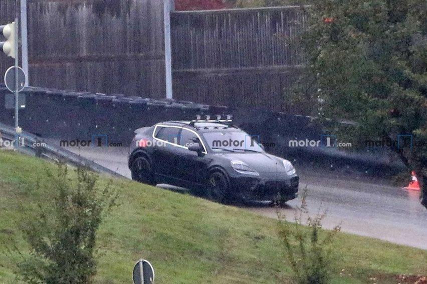 Porsche Macan Listrik Ketahuan Sedang Uji Jalan