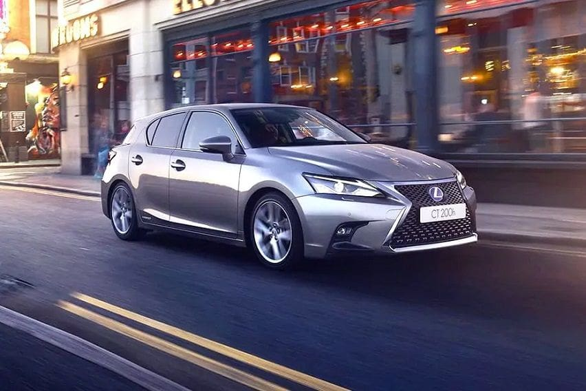 lexus ct200h -front-angle-low-view-812865