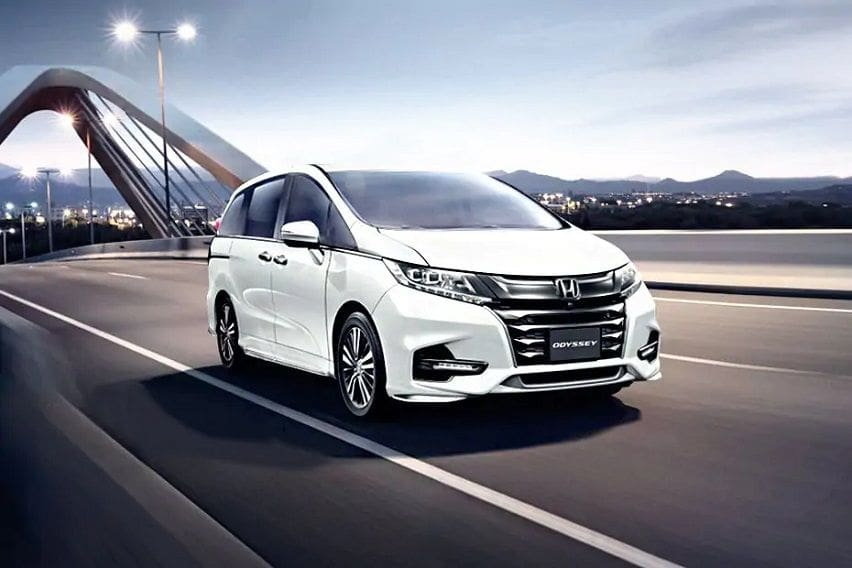 honda-odyssey-front-angle-low-view-782428