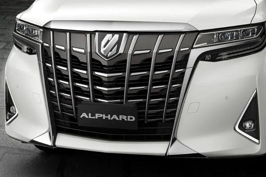 Toyota Alphard vs. the competition: Your other local minivan options