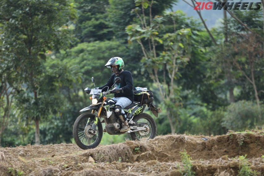 Kawasaki KLX 150 BF: Jawaban Klaim Multi-Purpose di Habitat Sebenarnya