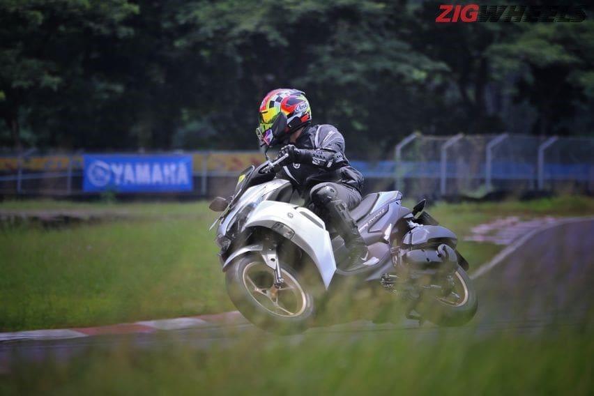 Test ride yamaha aerox