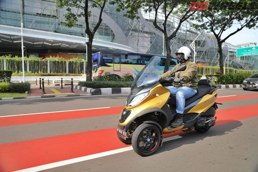 First Ride Piaggio MP3 HPE