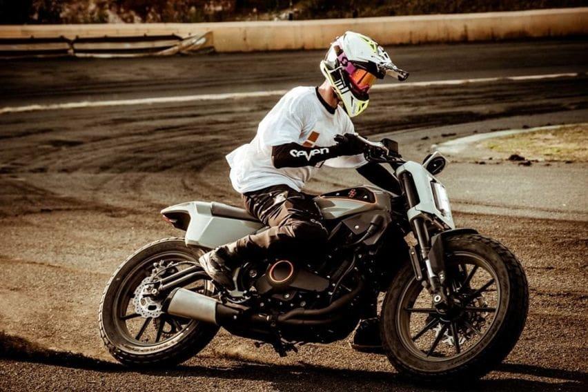 Tak Sabar Menunggu Rilis Harley-Davidson Mini, Benelli 302S Dimodifikasi Jadi Tracker Amerika