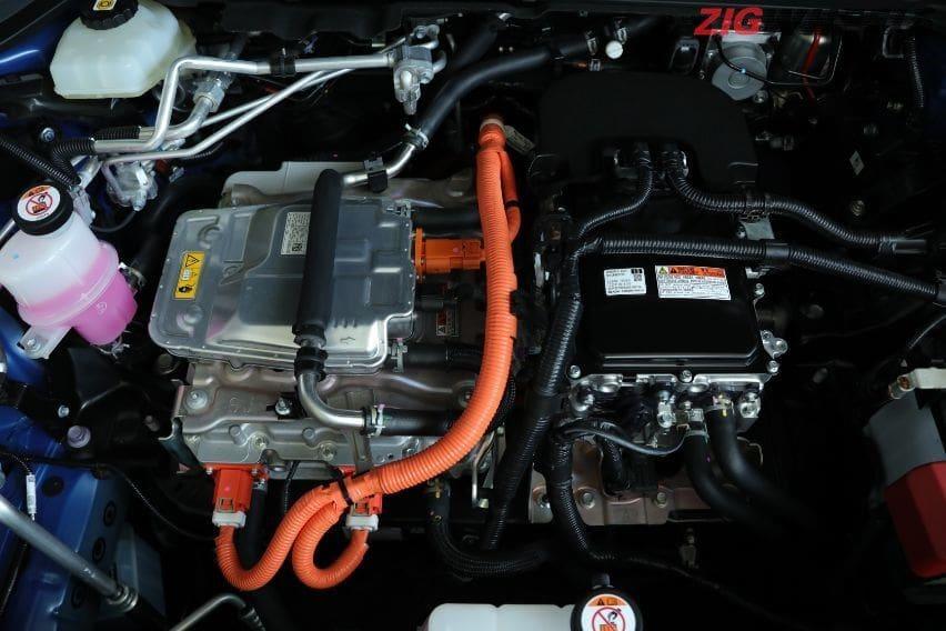 mesin Lexus UX300e