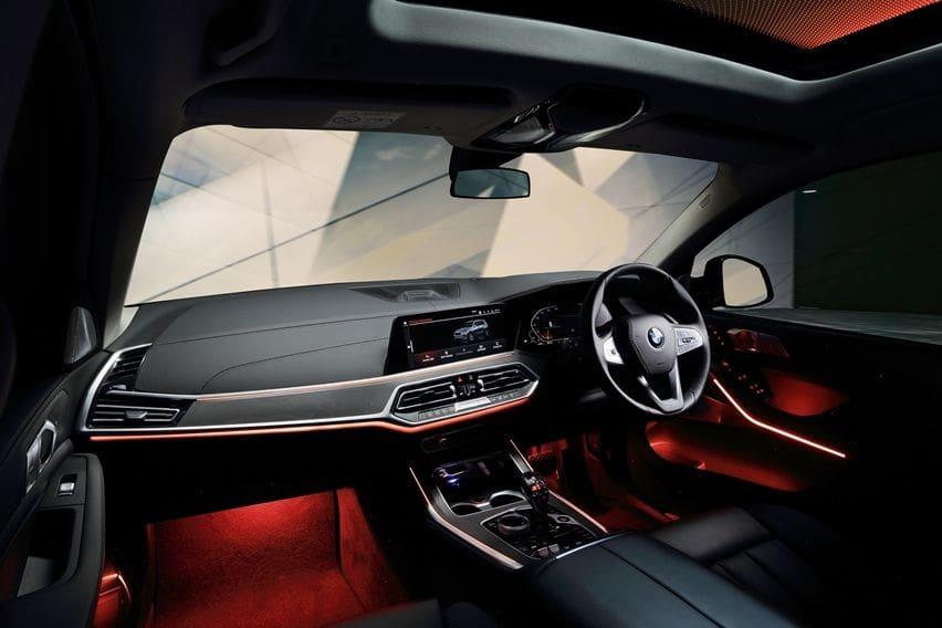 BMW X7 CKD cabin