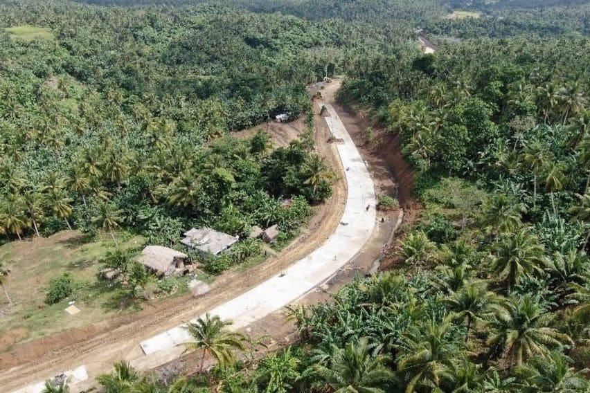 Pasacao-Balatan_Tourism_Coastal_Highway_in_Camarines_Sur_Underway_2
