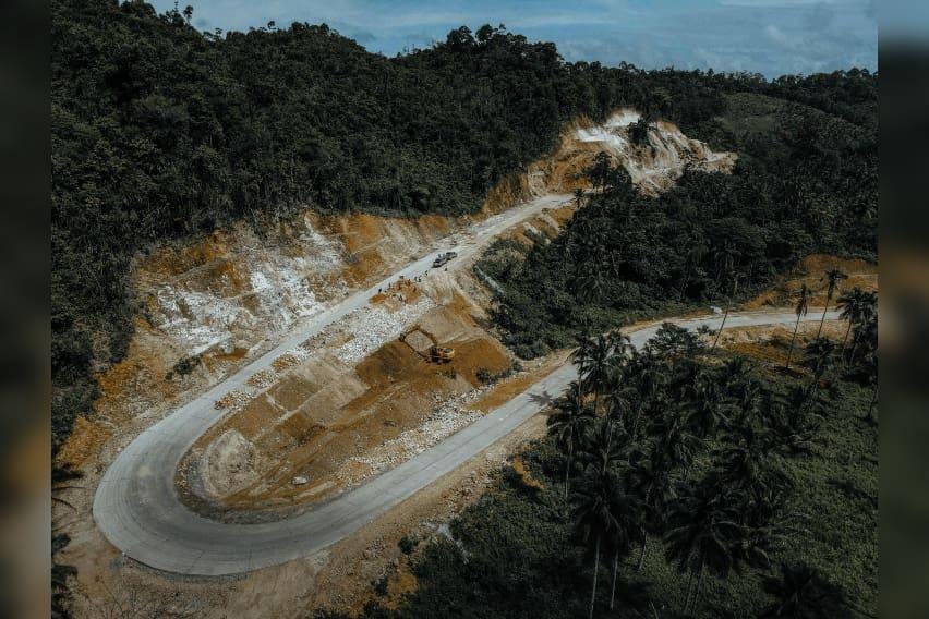 Road-to-Enchanted-River-Spurs-Economic-Growth-in-Hinatuan-Surigao-del-Sur-1