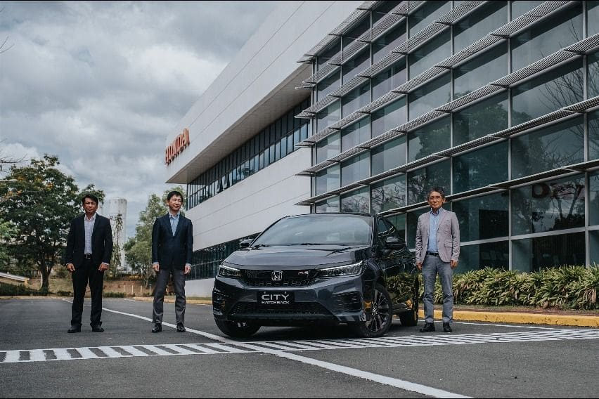 HCPI executives with the all-new Honda-City Hatchback