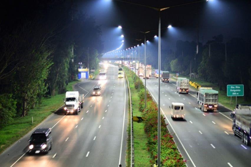 NLEX Corporation road lights