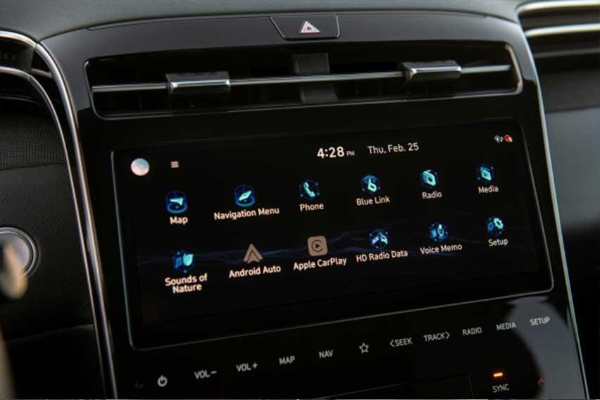 Hyundai-Santa-Cruz-screen