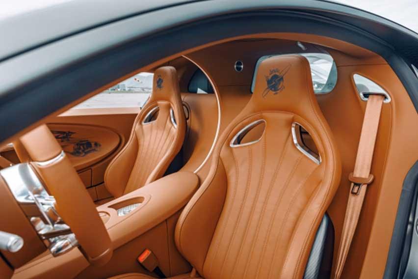 Bugatti-Chiron-Pur-Sport-interior