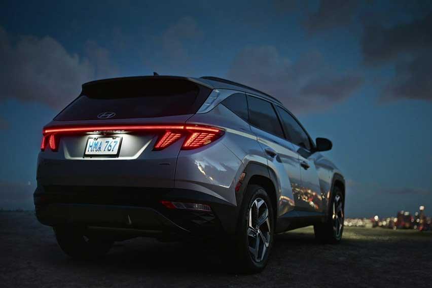 2022-Hyundai-Tucson-rear
