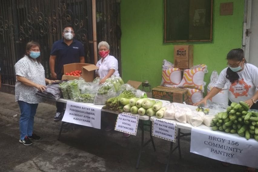 NLEX Corporation helping a community pantry in Caloocan