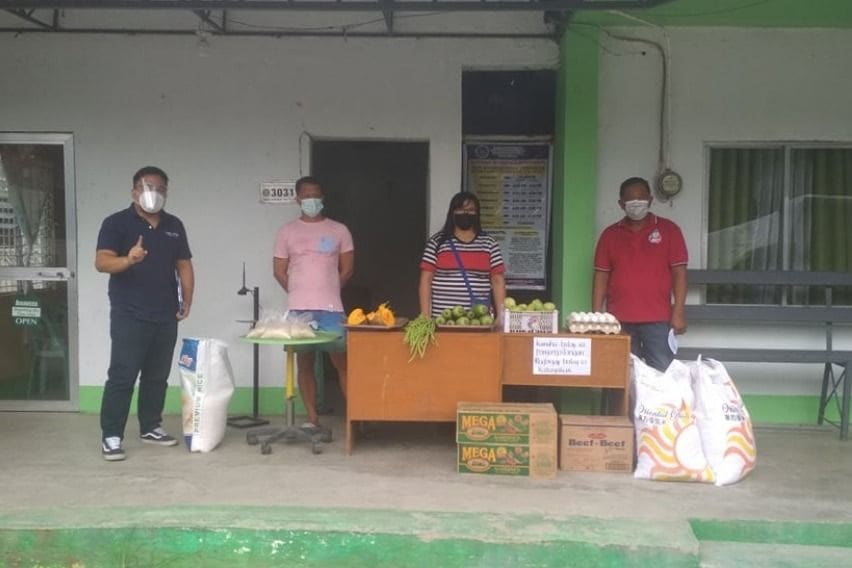 NLEX Corporation helping a community pantry in Bocaue, Bulacan