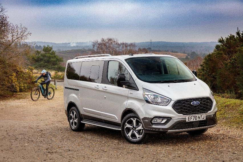 Ford-Tourneo-Custom-1