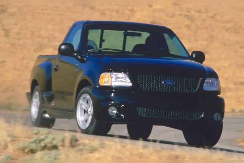Ford-SVT-F-150-Lightning