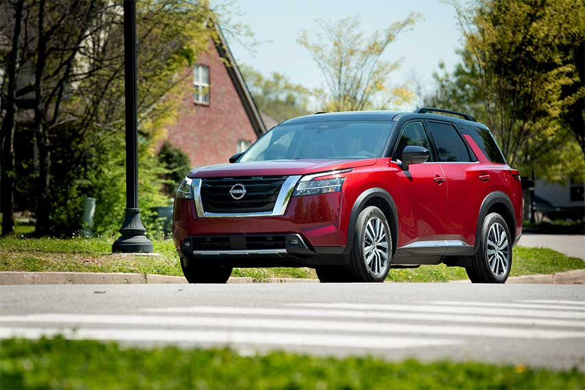 2022-Nissan-Pathfinder-front