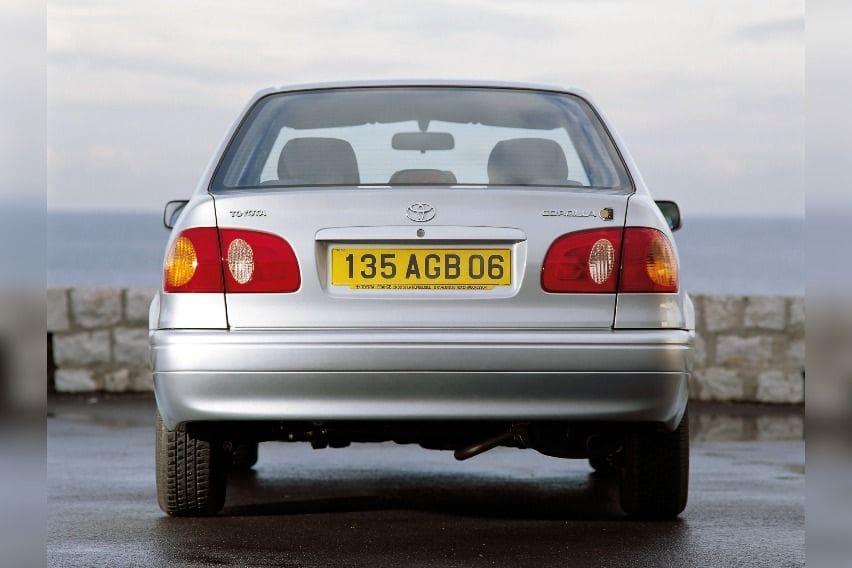 E110-Toyota-Corolla-2