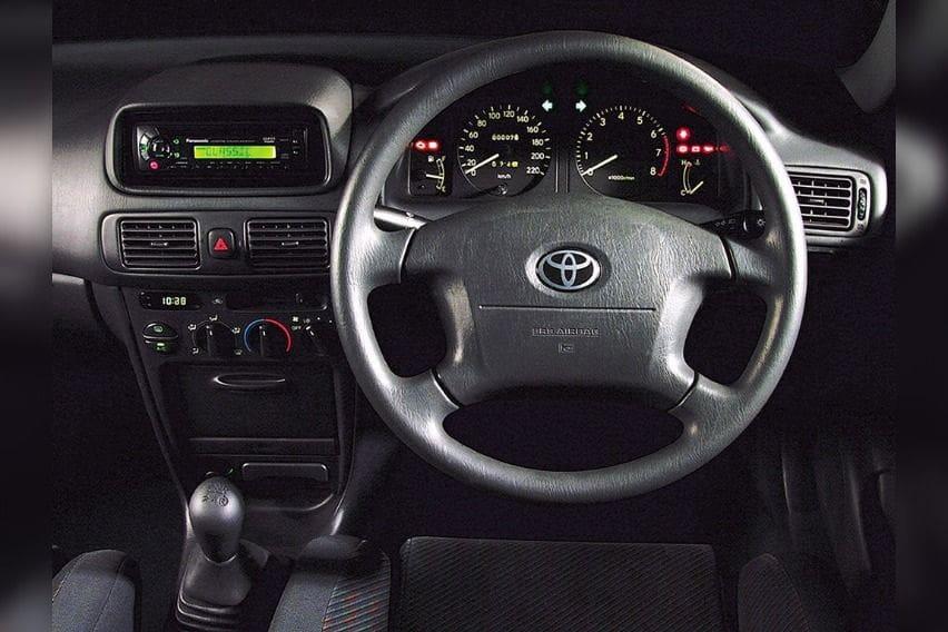 E110-Toyota-Corolla-3