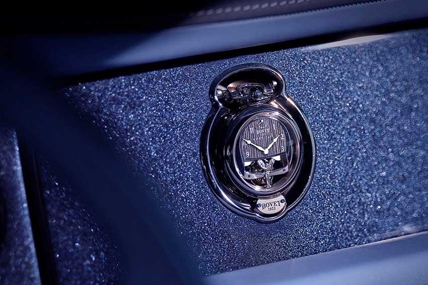 rolls-royce-bespoke-timepiece-fascia